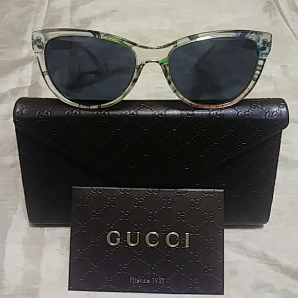 0a293b0c61694 Gucci 55mm butterfly sunglasses NWT